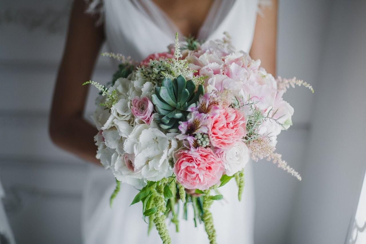 Какие цветы используют в свадебных букетах, свадебных